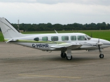 Piper_PA-31-350_Navajo_Chieftain,_London_Executive_Aviation_JP6054438